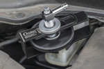 Universal brake bleeding adapter, adjustable diameter 28-70mm