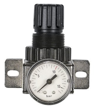 Pressure regulator for compressed air