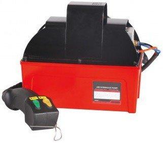 Hydraulic oil pump with remote control