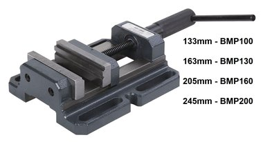 Universal drill clamp with double prism jaws